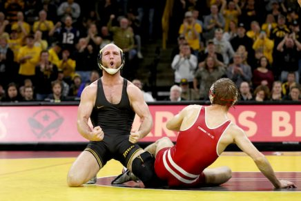Alex-Marinelli-Iowa-Wrestling