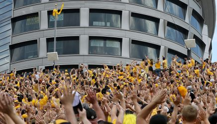 The-Wave-Iowa-Football
